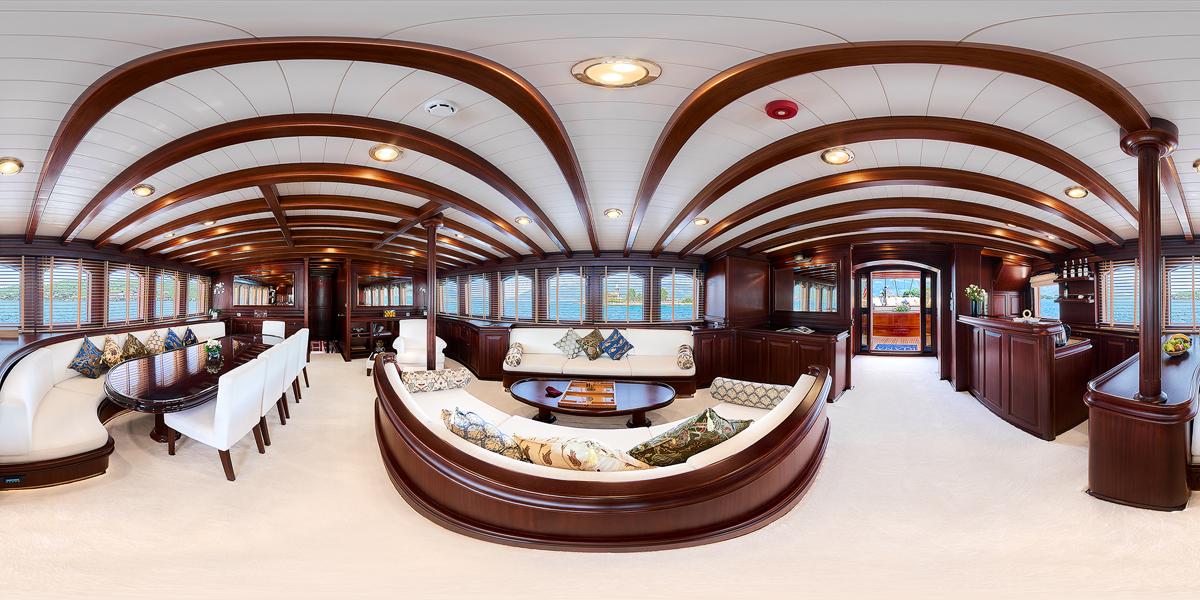Sailing Yacht Riana